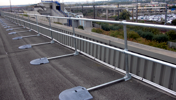 Non-Penetrating Fall Protection Railing